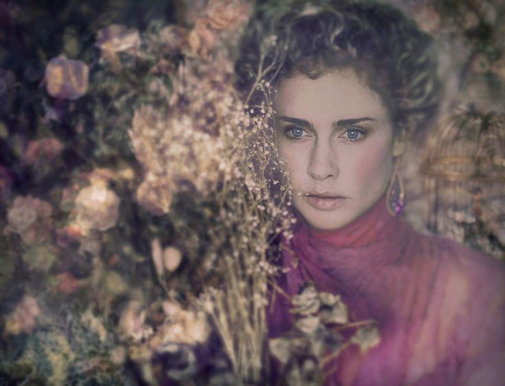 Elegance with flowers @themotherlovingfuture Amber L'Estrange. Visit susanlestrange.photography