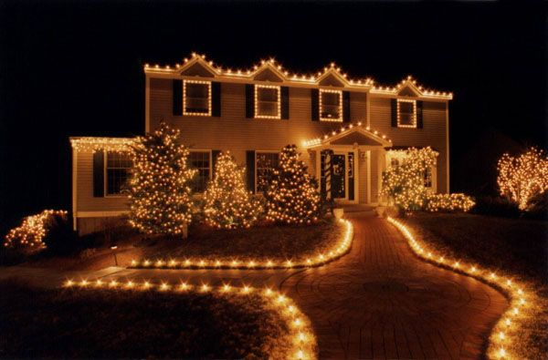 Love the look of all-white Christmas lights. Classy and simple :)