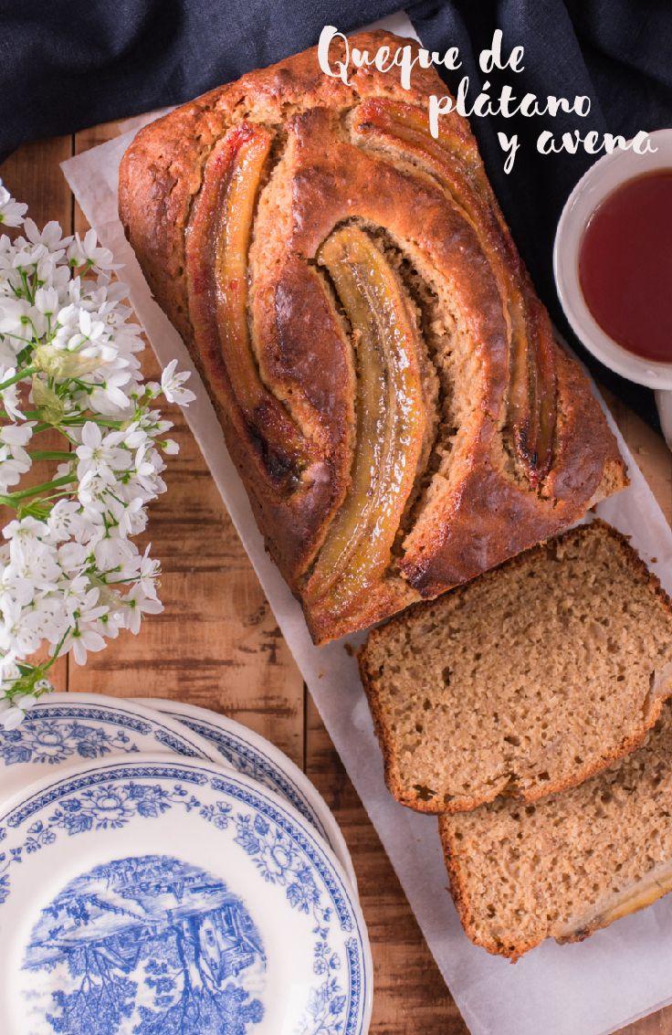 El plátano y el azúcar mascabado que se agregan en este queque lo dejan con un color fantástico y un aroma irresistible.