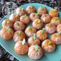 Photo recette : Mini citrouilles d'Halloween à la mandarine                                                                                                                                                                                 Plus