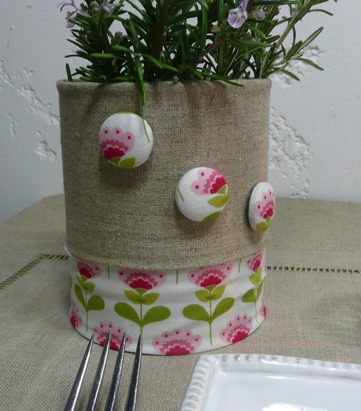 """Cache pot en tissu 100% lin et coton 100% imprimé de la marque """"TILDA"""" + 3 magnets assorties. Transformez une simple boîte de conserve en vase très déco."""