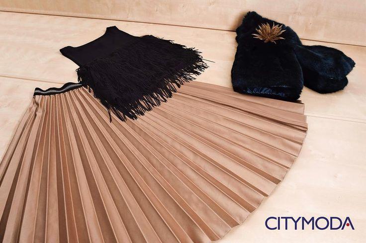 Per un #lunedì frizzante, scegliete la #gonna @caipirinha_wear e la canotta @pleasefashionofficial , abbinate all'#ecopelliccia @censured_urbanapparel