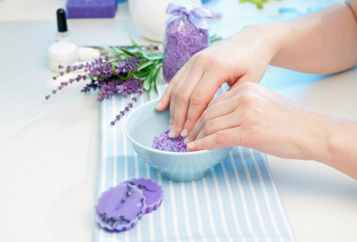 5 DIY Nail Soaks for Picture Perfect Nails
