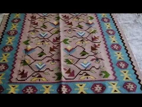 Векове наред в Чипровци, наричан някога ''цветето на България'' са се тъкали неповторими по своята хубост килими. Те очароват със своята красота и изящност, с чудно съчетание от багри, древни символи и знаци. Местната Чипровската школа е наистина уникален феномен, прославящ българското приложно изкуство в цял свят.   Историята на килимарството дн...