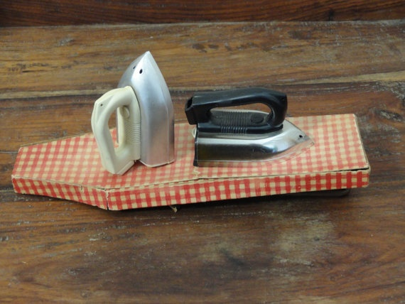 MidCentury Irons and ironing board salt & pepper by KeysFinds, $18.75