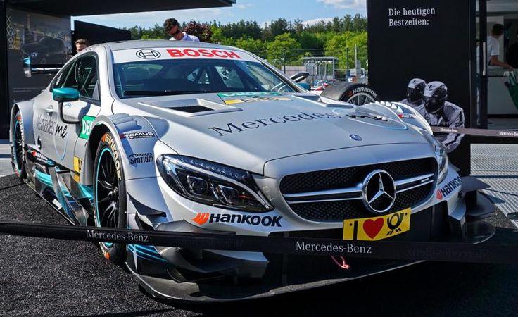 Гоночный Mercedes-AMG C63 DTM стал свадебным автомобилем на один день http://oane.ws/2017/10/05/gonochnyy-mercedes-amg-c63-dtm-prevratili-v-svadebnyy-avtomobil.html  Гоночный суперкар Mercedes-AMG C63 DTM на один день превратили в свадебный автомобиль для церемонии бракосочетания одного из гонщиков команды. Необычное транспортное средство переоборудовали в Италии, где и прошло всё мероприятие.