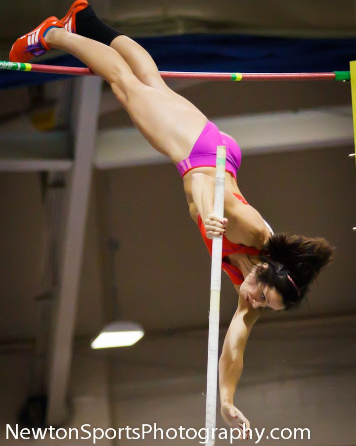 Jenn Suhr vaulting on the evening of her 16' American Record in Boston on February 4th