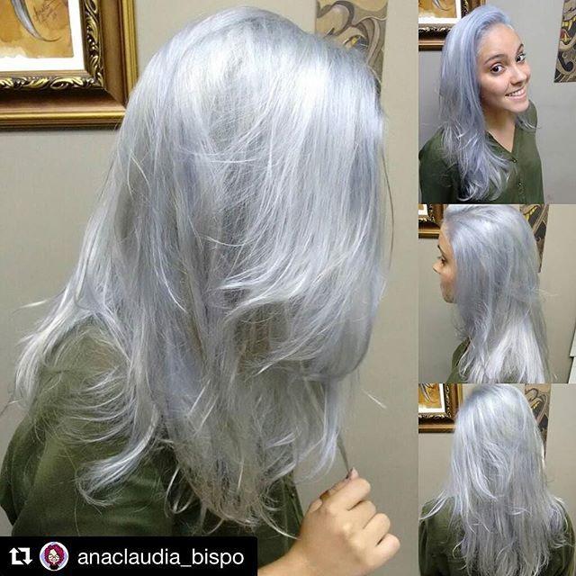 #Repost @anaclaudia_bispo with @repostapp ・・・ #unicornização #platinumhair #whitehair #silverhair #platinado #prata #branco #white #unicornhair #semfiltro #notfilter #novoarte @novoarte