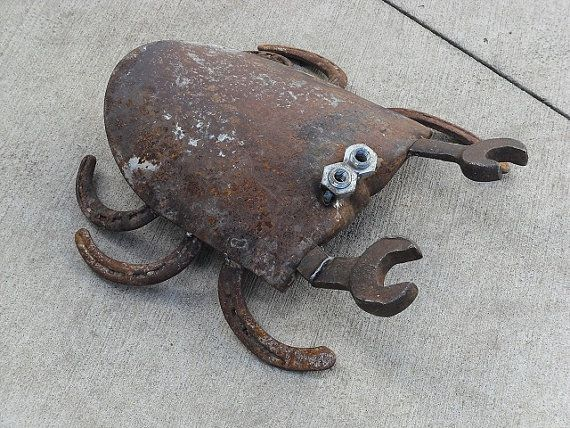 Rusted shovel crab welded garden art. by Sistersteel on Etsy