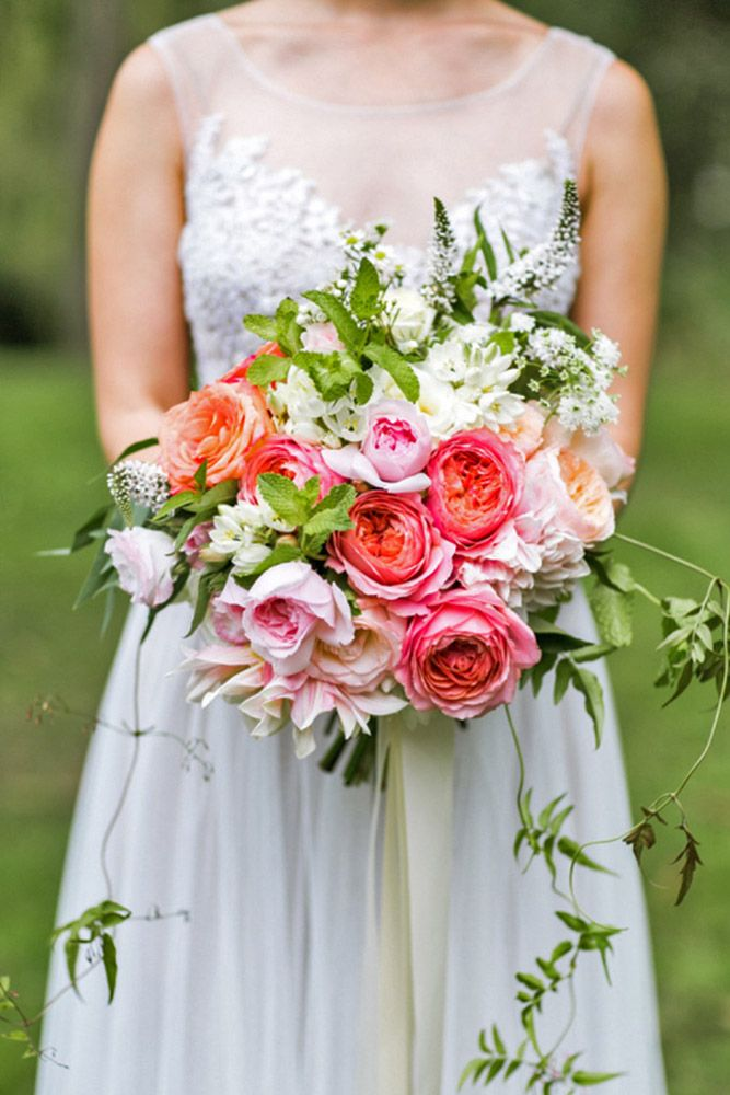 18 Most Popular Wedding Flowers In Bridal Bouquets ❤ See more: http://www.weddingforward.com/popular-wedding-flowers/ #weddings #bouquets