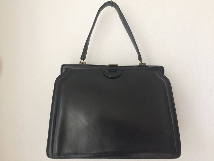 Beautiful vintage black leather stylish handbag by MORETHANVINTAGENL on Etsy