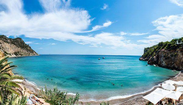 Os melhores beach clubs e restaurantes de Ibiza, na Espanha