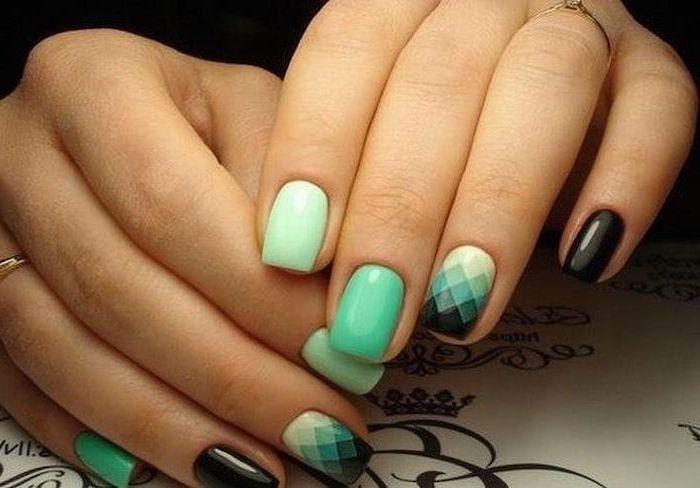 Mint Green Black Nail Polish Geometric Pixelated Drawings Cool Nail Designs Golden Rings In 2020 Nail Shapes Squoval Nails Fashion Nails
