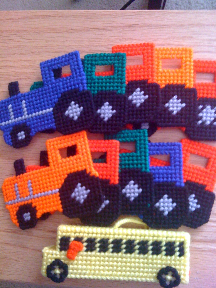 Plastic Canvas Tractors made from a train pattern and imagination
