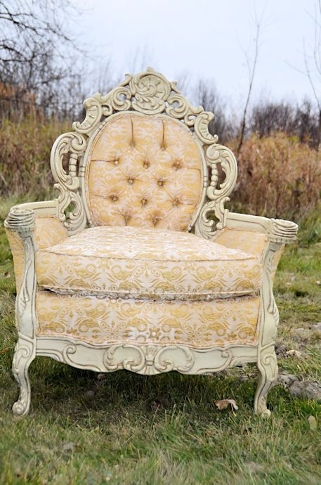 Victorian Furniture - Victorian Decoration is a way of traveling into the most elegant times. A mix of many styles, resulted into an eclectic style. See more inspiring interiors here:http://www.pinterest.com/homedsgnideas/