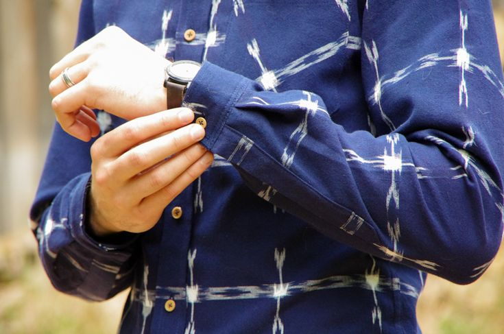 Professional looking shirt sleeve complete with a small pleat and a proper tower placket - all included in the Fairfield Button-up pattern!