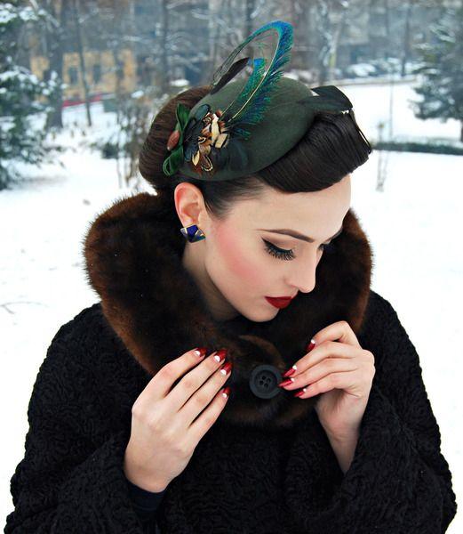 Auf der Jagd. Pill Box Federn Fasan Pfau headpiece von Billies goes Jazzafine auf DaWanda.com