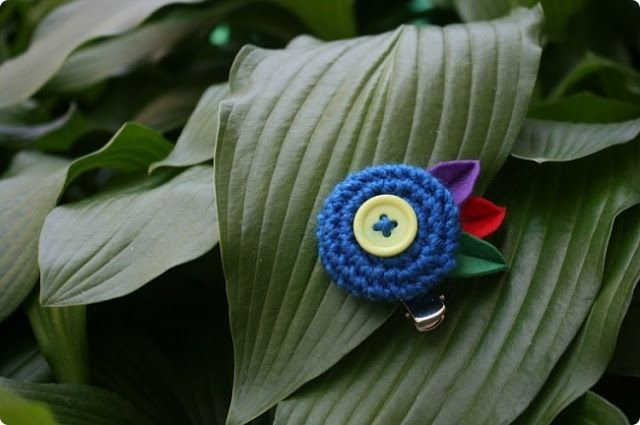 sunny&funny: [knit-crochet] Yo-Yo pattern-parrot hairpin
