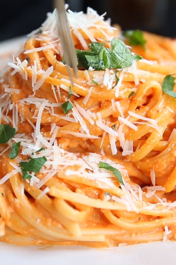Creamy Roasted Pink Pepper Pasta