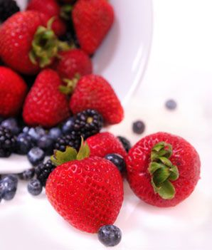 The Best Berries for Weight Loss and More Health Benefits of Berries