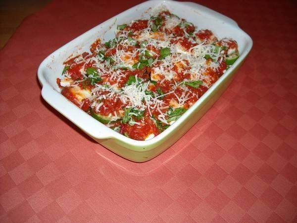 Zalige ovenschotel van laagjes courgette met tomatensaus en mozzarella. Iedereen vond het lekker en ik ook!