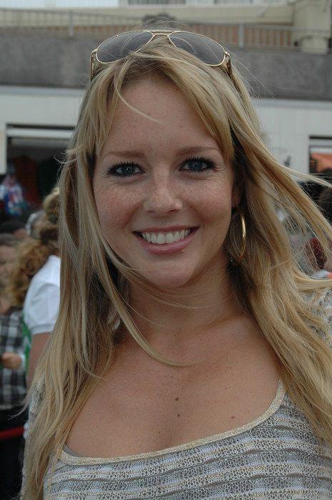 Chantal Janzen Nude Photos 100