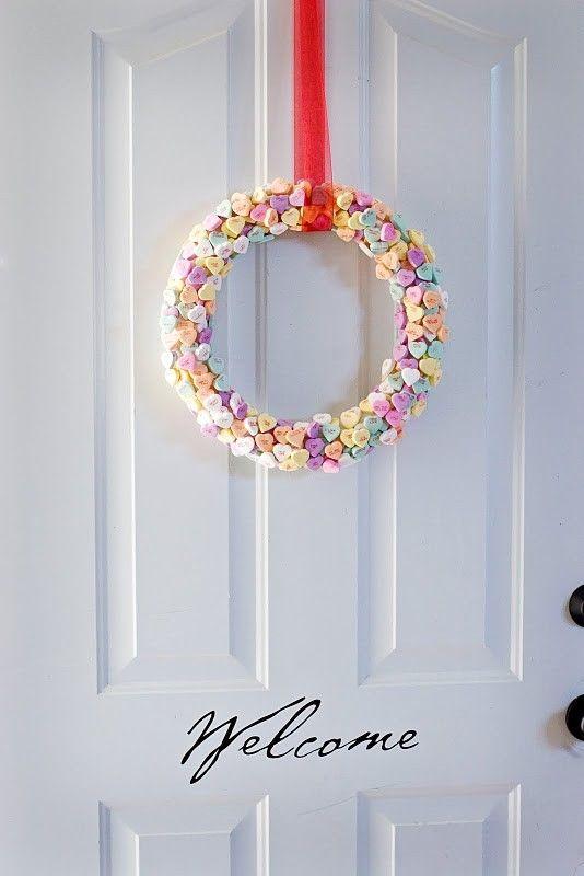 Conversation hearts wreath: Valentine Crafts, The Doors, Wreaths Idea, Heart Wreaths, Wreaths Make, Heart Shapes, Crafts Idea, Valentine Wreaths, Valentine Day Wreaths