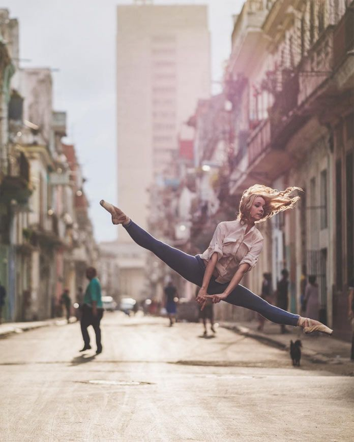 Jump by Laura Tosar.