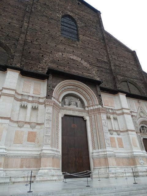 Emotional Treasurer: La Basilica di San Petronio (Bologna)