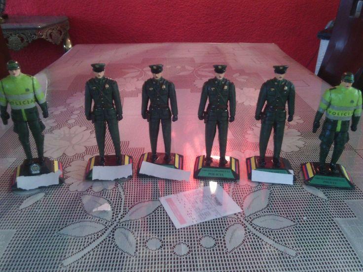 Figuras policiales  wtssp 3152305093