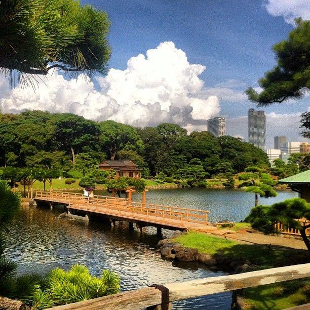 浜離宮恩賜庭園 (Hamarikyu Garden) in 中央区, 東京都 Green tea and Japanese sweets!