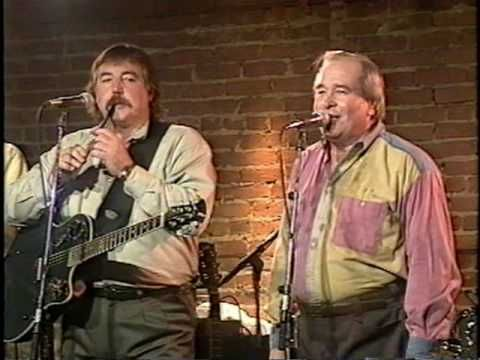 The Irish Rovers - The Orange and the Green - Sung by the late, great Jimmy Ferguson