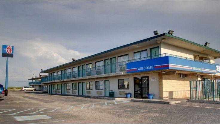 Motel 6 -- Hays, KS