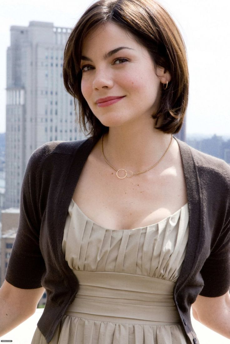 Michelle Monaghan hair. When the back grows out (and becomes massively easier to style) I think I could pull this off.