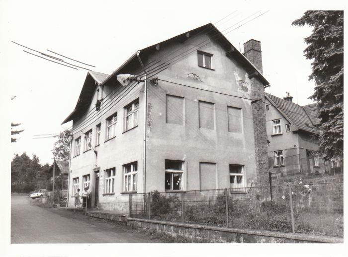 Ohrazenice 80-tá léta 20. st.
