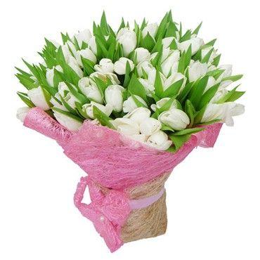 Букет состоит из 49 белых тюльпанов  http://www.dostavka-tsvetov.com/shop/38/desc/svetlye-mechty