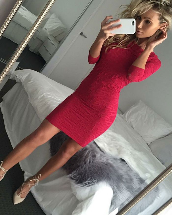 Jewel Knee Length Red Tight Club Dress with 3/4 Length Sleeves HD3155
