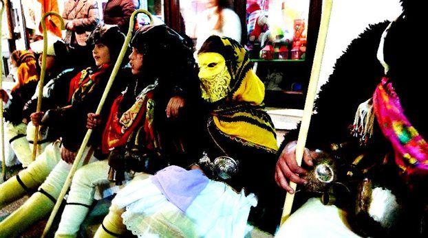 Σκύρος: Οι γέροι και οι κορέλες διώχνουν το Κακό