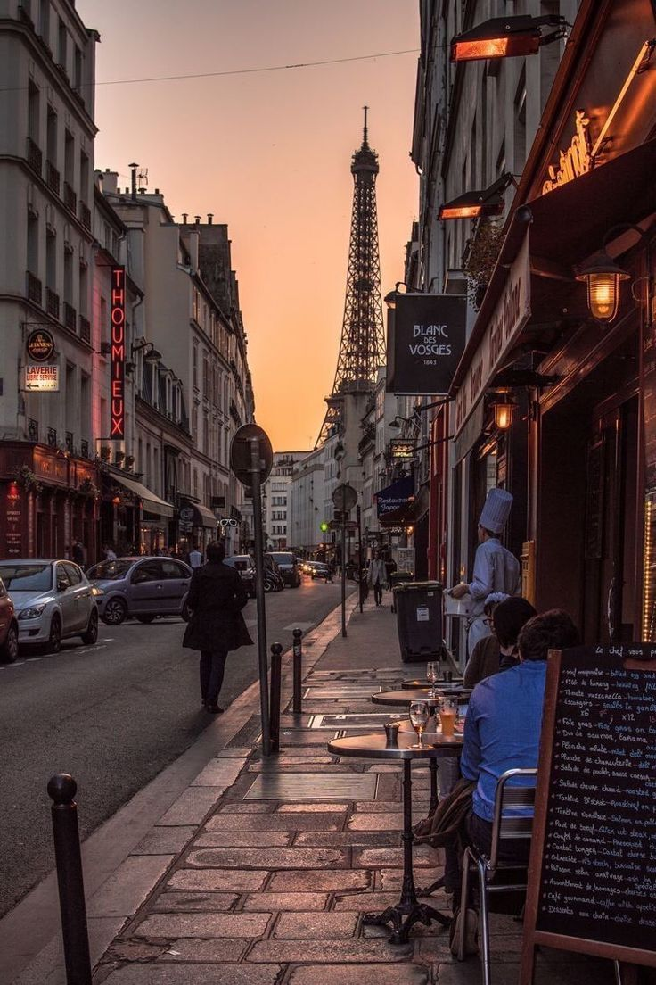 Auf Den Strassen Von Paris Spazieren Aesthetic Aesthetic Auf Den Paris Paris Reisen Paris Fotografie Paris Bilder