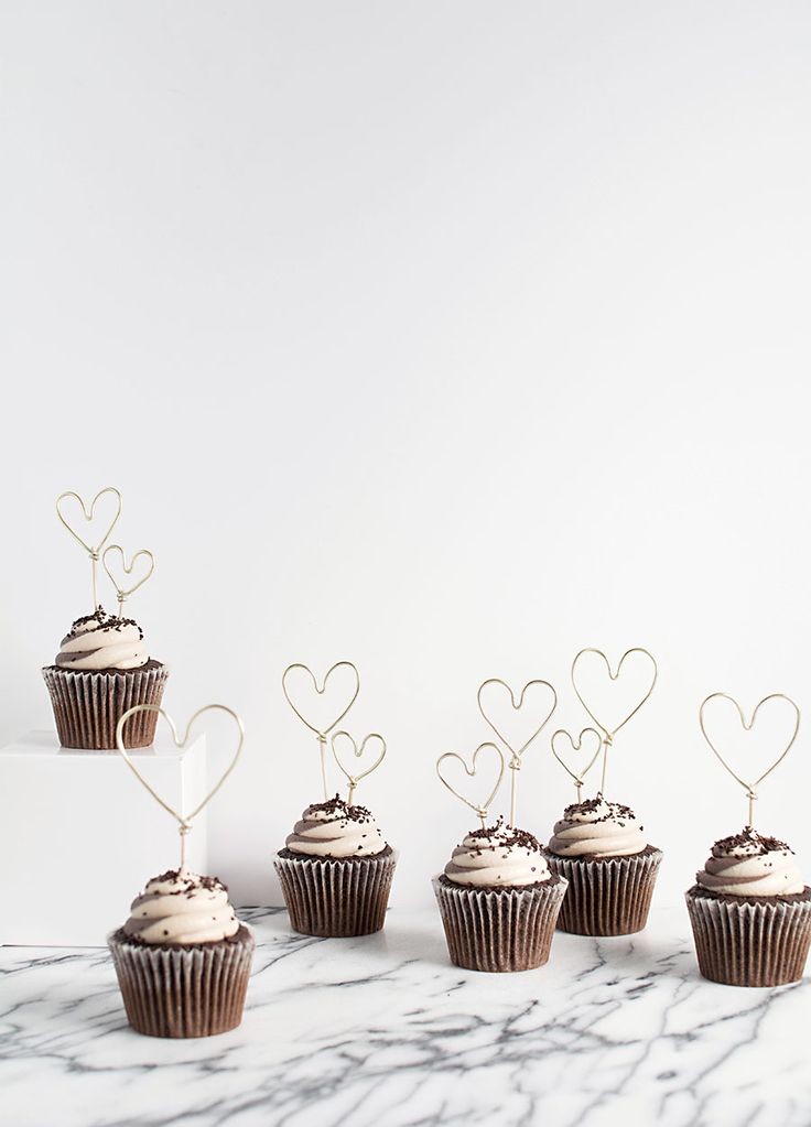 Gold Wire Heart Cupcake Toppers DIY