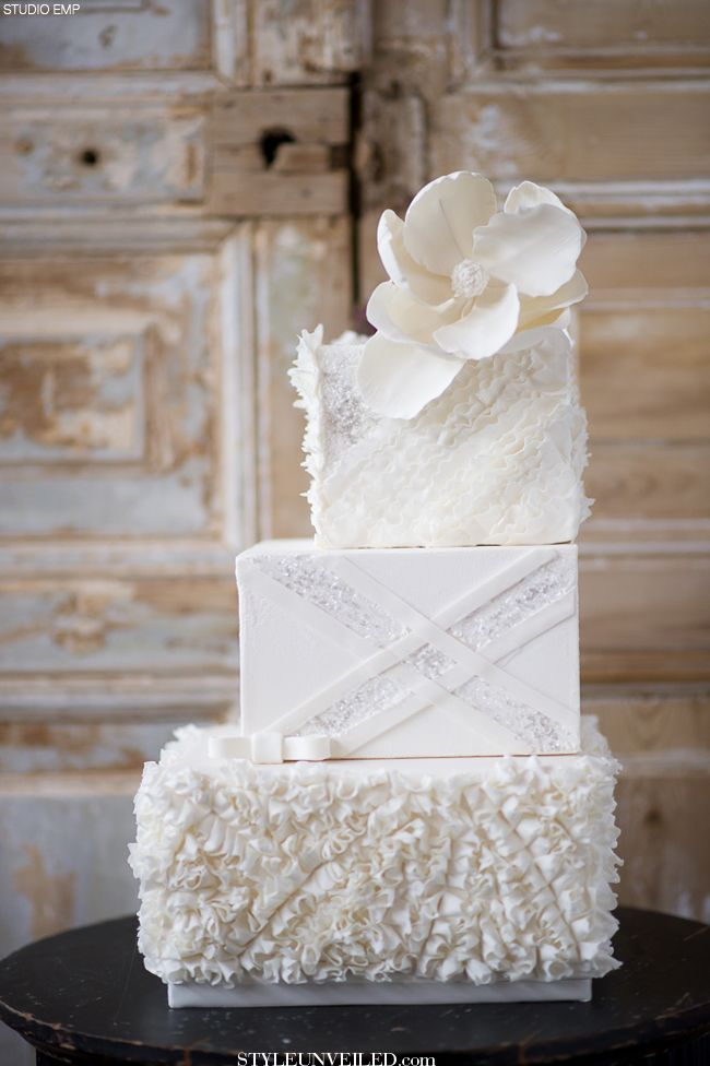 Wedding Cake Design Studio : White Wedding Cake with Gorgeous Texture and Sparkly Design