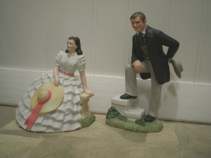 Gone With The Wind Pair of Figurines - Scarlett O'Hara & Rhett Butler GWTW Avon Images of Hollywood  24.99