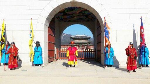 Royal Guards | Gyeongbokgung Palace | Seoul | South Korea