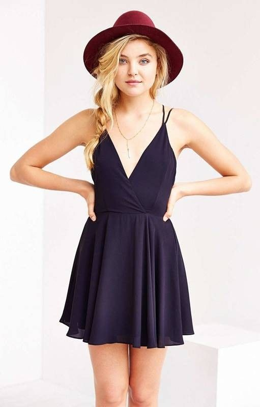 Vestido Curto Liso de Alcinha - Compre Online   DMS Boutique