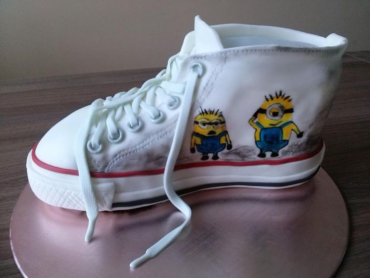 316 best images about Minion Cakes on Pinterest Minion ...