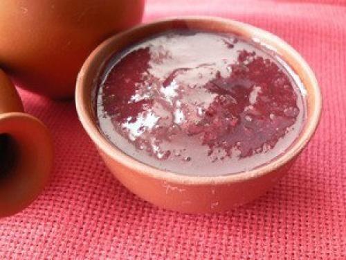 Грузины считают, что сливовый соус ткемали - одно из средств долголетия местных старцев! Без этого соуса в Грузии не начинается ни одна трапеза. Это одно из тех уникальных дополнений к пище, которое и...