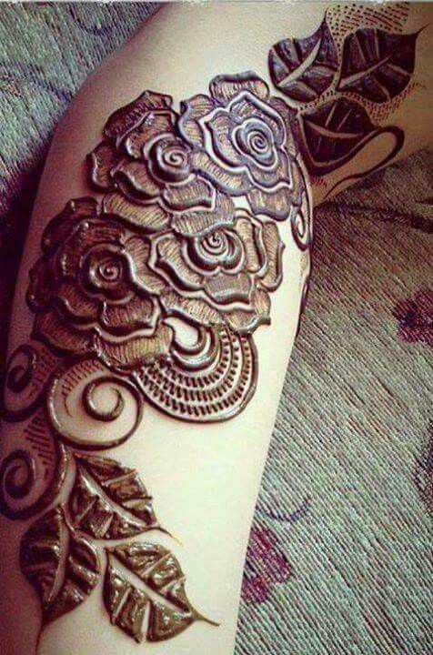 Henna roses! I love the way she shades and outlines the roses!!!