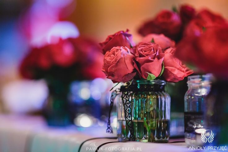 21. Rock Wedding,Table decor,Red roses / Rockowe wesele,Dekoracje stołu,Czerwone róże,Anioły Przyjęć