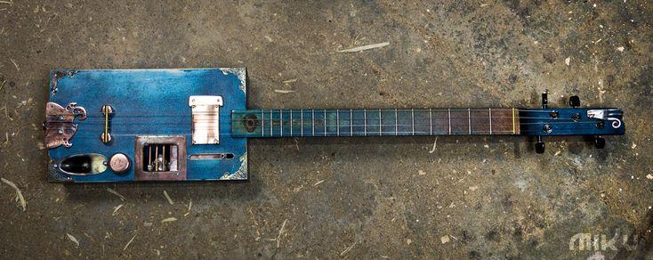 Miku CB guitar
