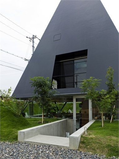 House in Saijo - Hiroshima, Japan - 2007 - Suppose Design Office #architecture #japan #house